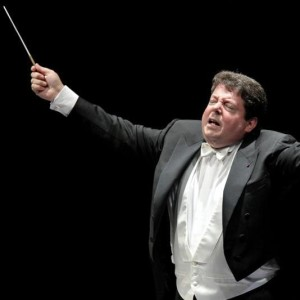 Andrew Litton conducting the Bergen Philharmonic Orchestra
