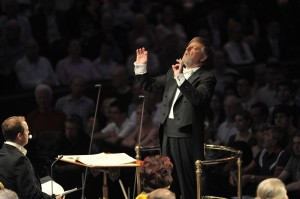Sir Andrew Davis conducts the BBC Symphony Orchestra